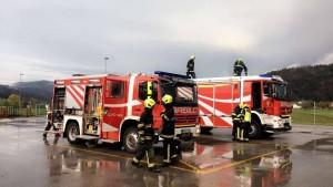 Vaja: Požar Jelovica obrat Gorenja vas 11.4.2017