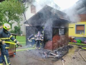 INTERVENCIJA: Požar drvarnice – Hotavlje 11.8.2017 (22)